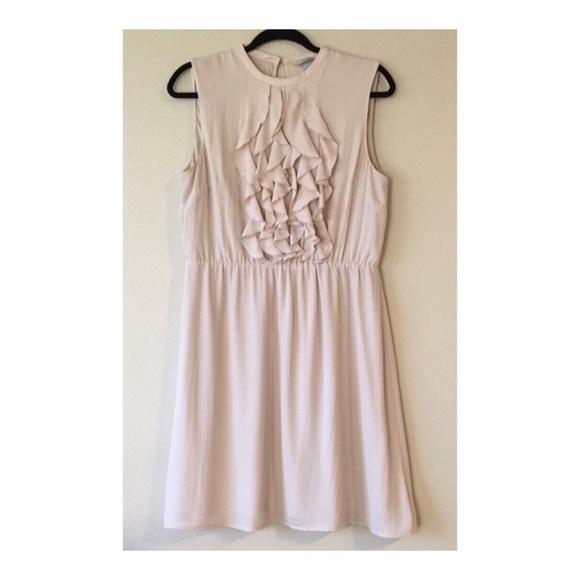 H&M Dresses & Skirts - LIKE NEW | H&M Cinched Waist Ruffle Dress